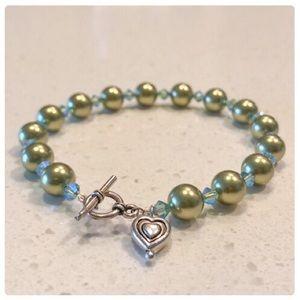 """💕Light Green Pearl Bracelet 7.75""""💕"""